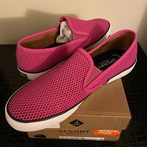 Brand New Womens Sperrys Size 9.5.